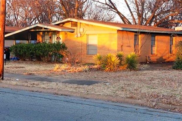 625 S Andrews Avenue - 625 South Andrews Avenue, Sherman, TX 75090