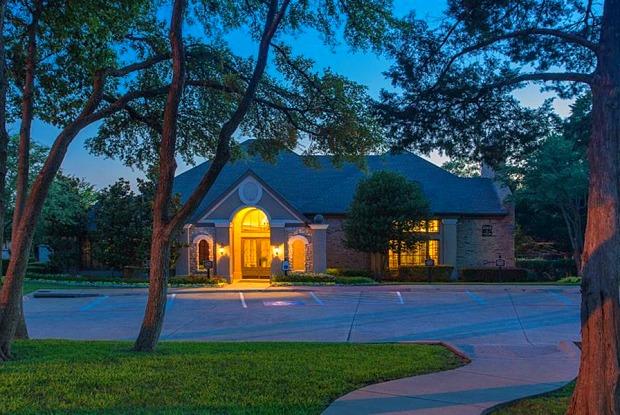 Stoneleigh on Spring Creek - 5501 Naaman Forest Blvd, Garland, TX 75044