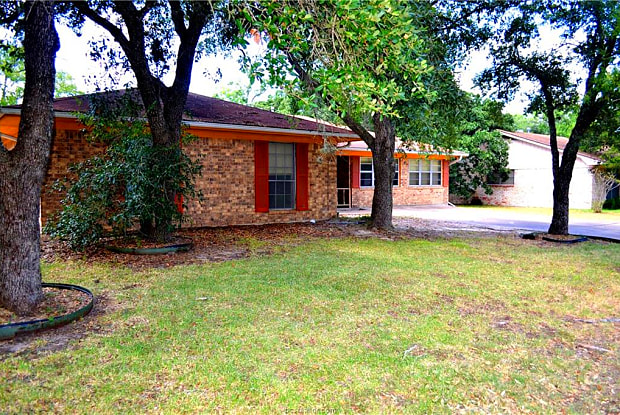1213 King Arthur - 1213 King Arthur Circle, College Station, TX 77840
