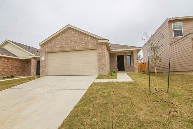2044 Oakwood Forest Drive - 2044 Oakwood Lane, Abilene, TX 79605