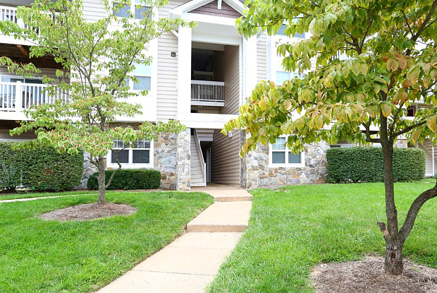 Barrington Luxury Apartment Homes - 10604 Blendia Ln, Manassas, VA 20109