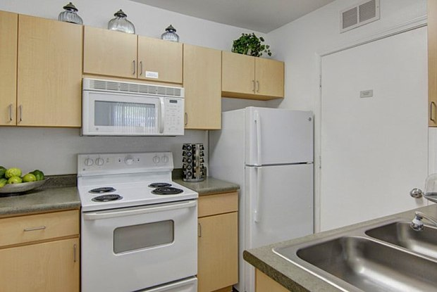 Monterra Apartments - 1333 N 24th St, Phoenix, AZ 85008