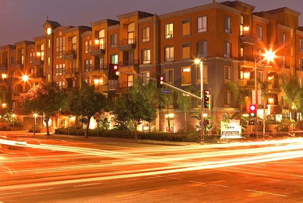 City Lights on Fig - 1300 S Figueroa St, Los Angeles, CA 90015