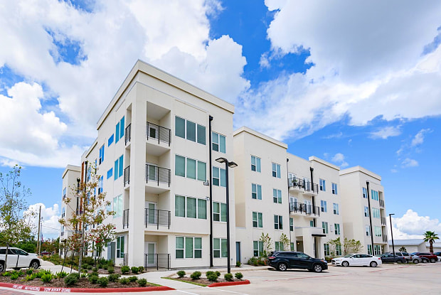 Marina Bend at Clear Creek Apartments - 350 N Wesley Dr, League City, TX 77573