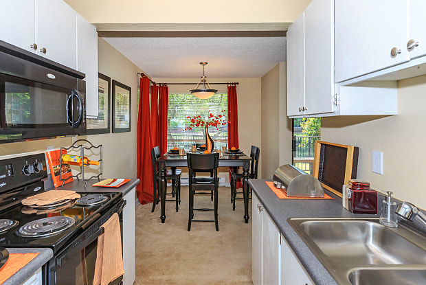 Waterbrook Lofts & Apartments - 10615 SE 250th Pl, Kent, WA 98030