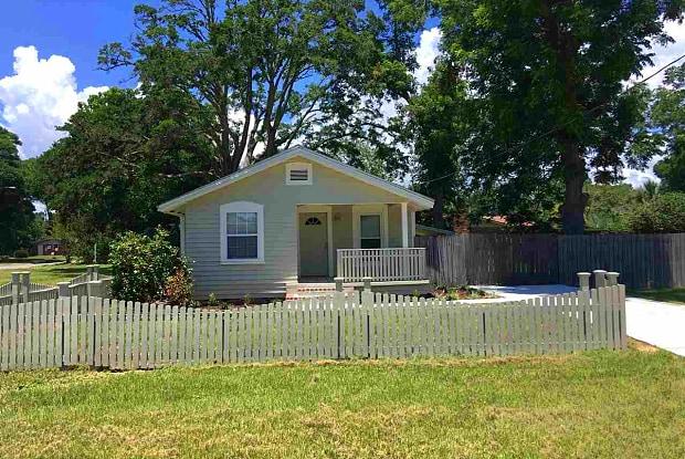 1010 E BAARS - 1010 East Baars Street, Pensacola, FL 32503