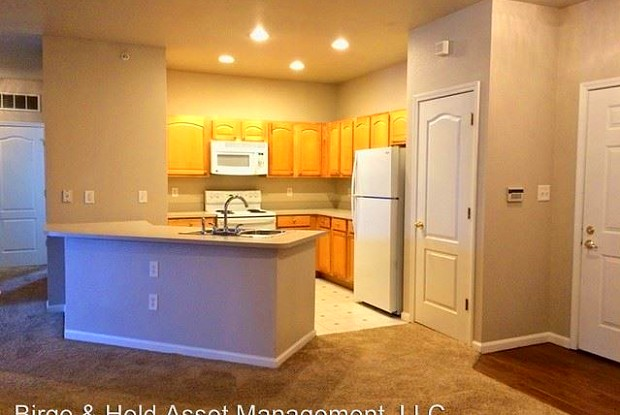 Wentworth at WestClay Apartments - 12880 University Cres, Carmel, IN 46032