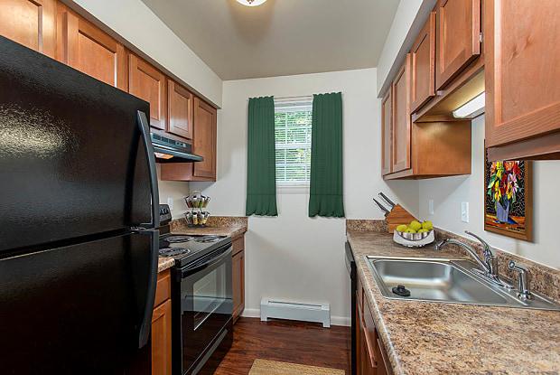 Orchard Estates - 125 Roxboro Cir, Mattydale, NY 13211