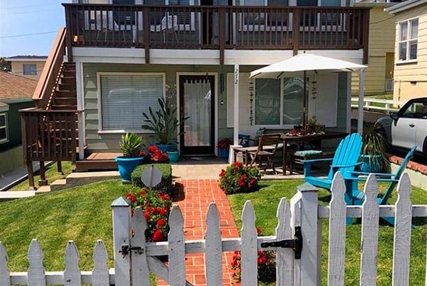 272 Beverly (upper) Street - 272 Beverly Street, Laguna Beach, CA 92651