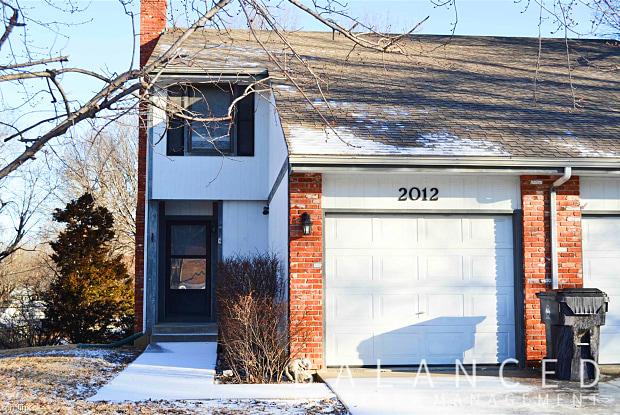 2012 SW 36th St - 2012 SW 36th St, Topeka, KS 66611