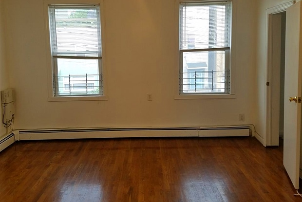 171 GRIFFITH ST - 171 Griffith Street, Jersey City, NJ 07307