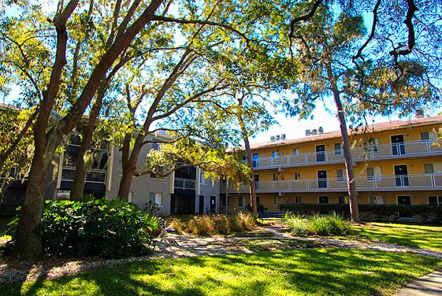 Promenade at Edgewater - 257 Milwaukee Ave, Dunedin, FL 34698
