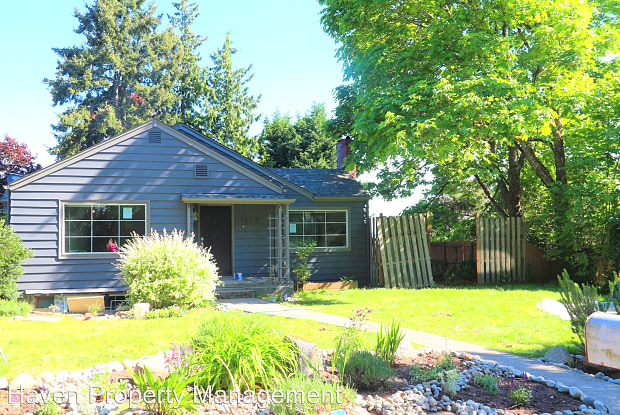 1612 S 107th St - 1612 South 107th Street, Boulevard Park, WA 98168