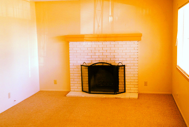 205 Delamar Loop NW #C - 205 Delamar Loop Northwest, Albuquerque, NM 87107
