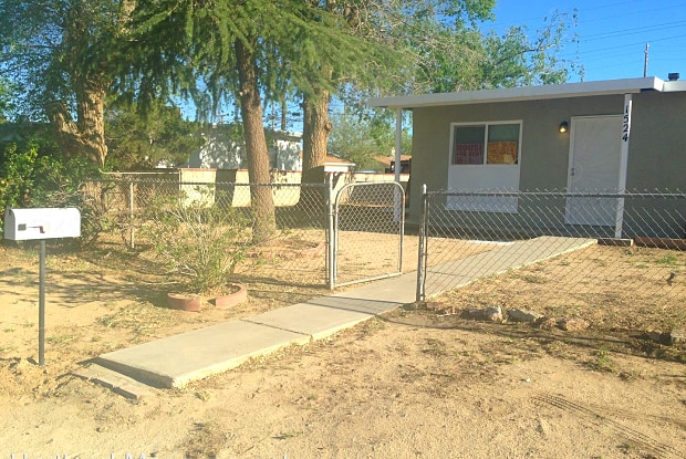 1524 Franklin - 1524 Franklin Avenue, Rosamond, CA 93560