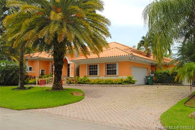 10700 SW 135th Ter - 10700 Southwest 135th Terrace, Kendall, FL 33176