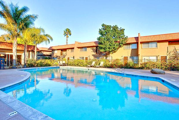 Rosewood Apartments - 555 Rosewood Ave, Camarillo, CA 93010