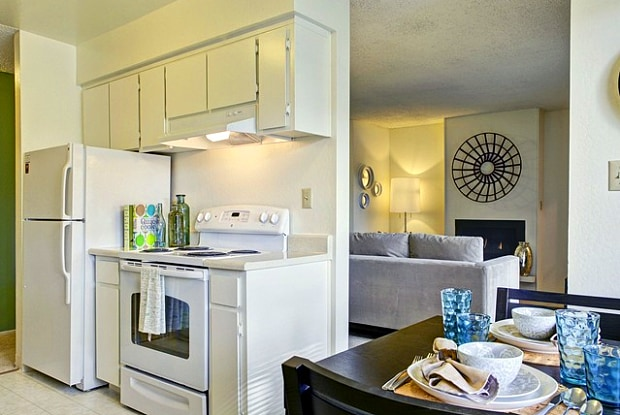 eaves Union City - 2175 Decoto Rd, Union City, CA 94587