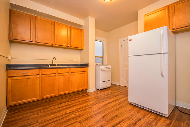Kerry Park Apartments - 1420 4th Ave W, Seattle, WA 98119