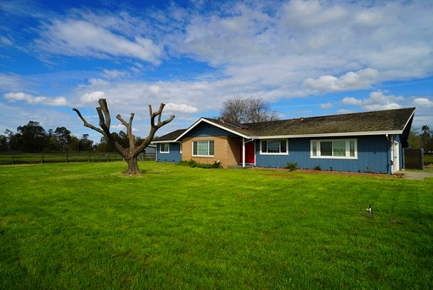 8275 Bradshaw Road - 8275 Bradshaw Road, Vineyard, CA 95829