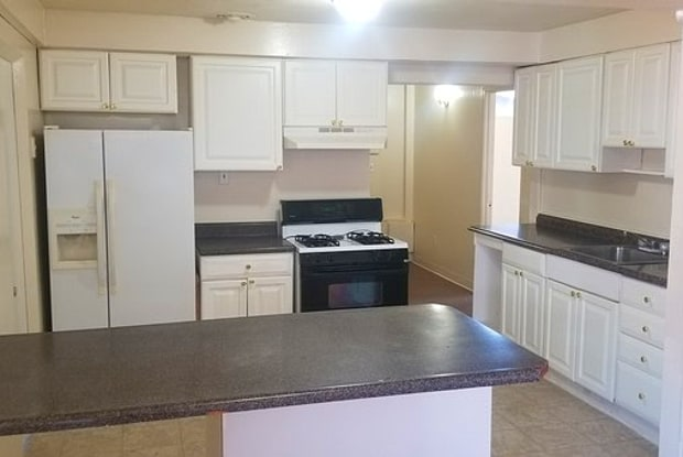 8426 Chalons Court - 8426 Chalons Court, Berkeley, MO 63134