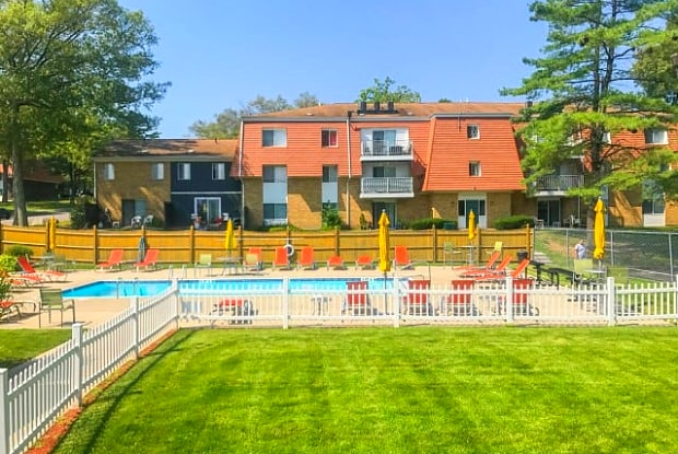 Rolling Green Apartments - 1 Rolling Green Dr, Milford, MA 01757