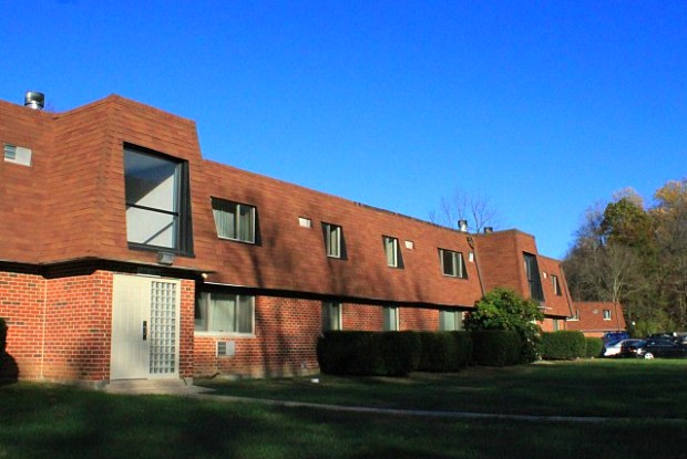 Hollow Run Apartments - 12 Hollow Run Lane, Chester County, PA 19380