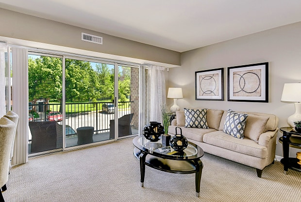 Hampton Manor - 229 Saint David Ct, Cockeysville, MD 21030
