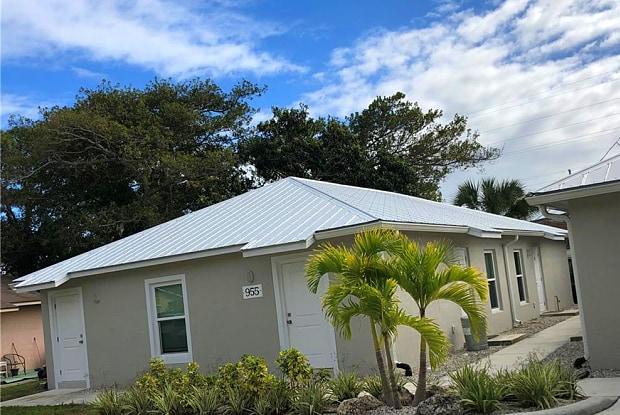 955 18th Place - 955 18th Place, Vero Beach, FL 32960