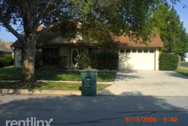 1825 Kingwood Dr - 1825 Kingwood Drive, Killeen, TX 76543
