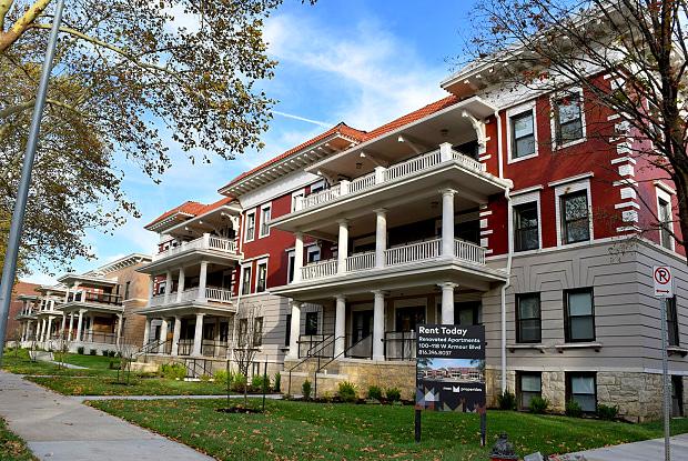 The Colonnades - 100 West Armour Boulevard, Kansas City, MO 64111
