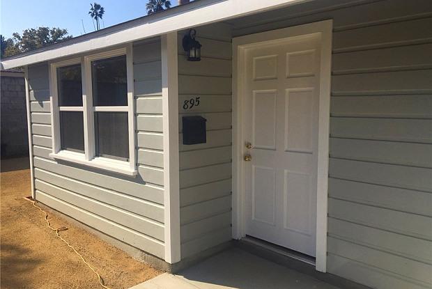 895 Oakland Avenue N - 895 North Oakland Avenue, Pasadena, CA 91104
