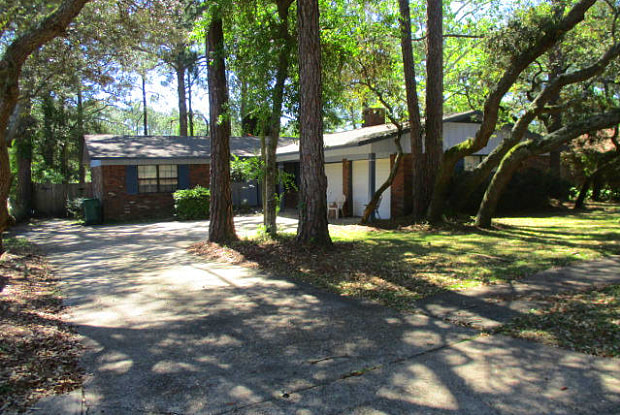 313 Somerset Drive - 313 Somerset Drive, Wright, FL 32547