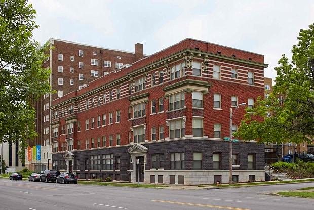 Yankee Hill - 3430 Gillham Rd, Kansas City, MO 64109