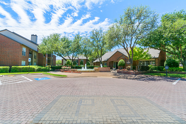 Preston Bend Apartments - 18790 Lloyd Dr, Dallas, TX 75252