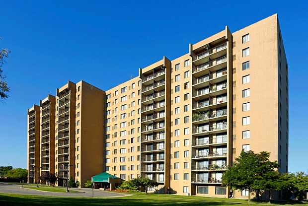 Highland Towers - 25225 Greenfield Road, Southfield, MI 48075