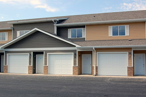 Jackson Heights Townhomes - 1107 Honeysuckle Dr, Harrisburg, SD 57032
