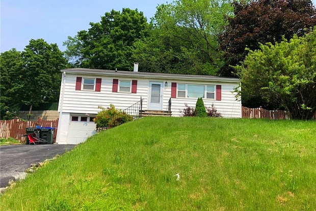 76 Duelk Avenue - 76 Duelk Avenue, South Blooming Grove, NY 10950