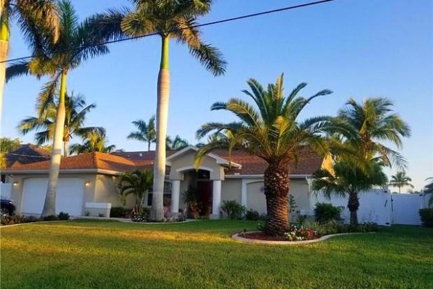 617 SE 17th ST - 617 Southeast 17th Street, Cape Coral, FL 33990