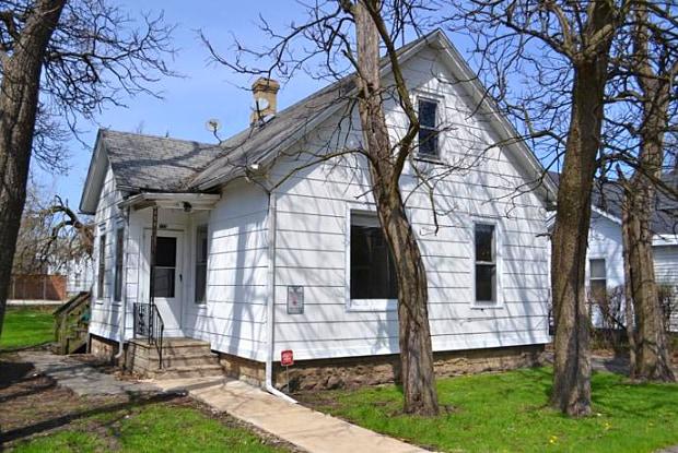 115 4th Ave. - 115 4th Avenue, Joliet, IL 60433