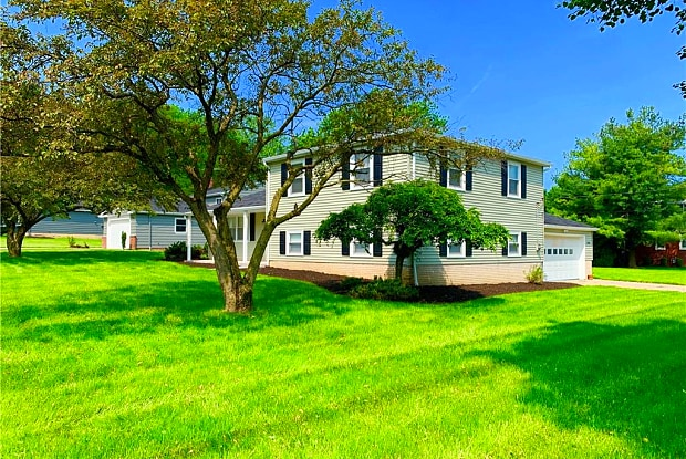 3250 Higley Rd - 3250 Higley Road, Rocky River, OH 44116