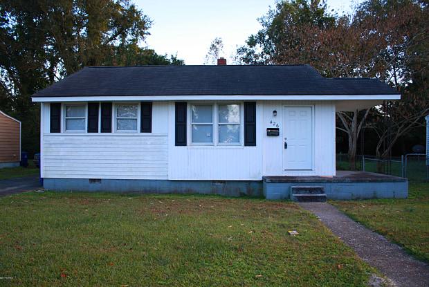 426 Nelson Drive - 426 Nelson Drive, Jacksonville, NC 28540