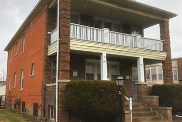 1408 LAKEPOINTE Street - 1408 Lakepointe St, Grosse Pointe Park, MI 48230