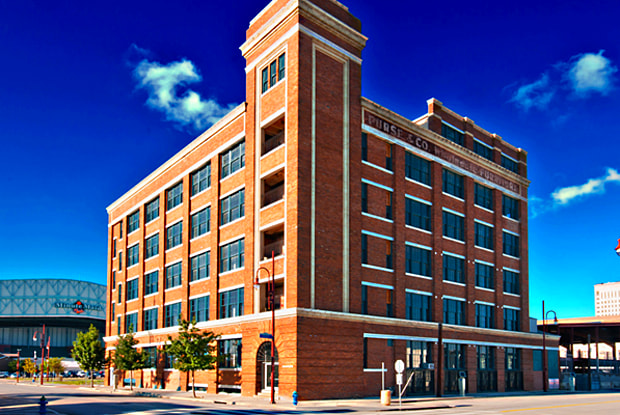 City View Lofts - 15 N Chenevert St, Houston, TX 77002