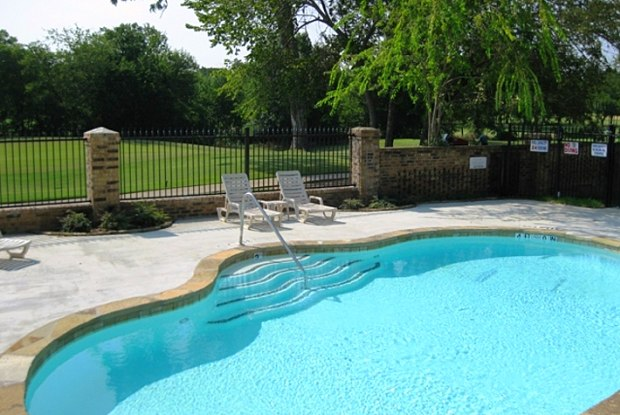 Papillon Parc - 8750 Winding Ln, Fort Worth, TX 76120