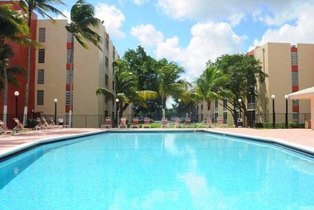 Inverrary 441 - 1196 NW 40th Ave, Lauderhill, FL 33313