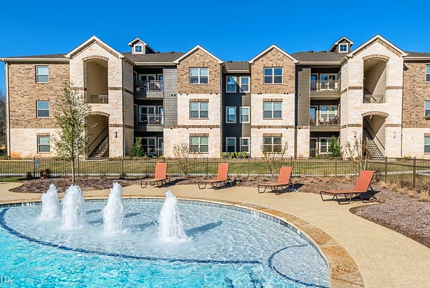 Harbor Shores - 15650 Walden Rd, Conroe, TX 77356