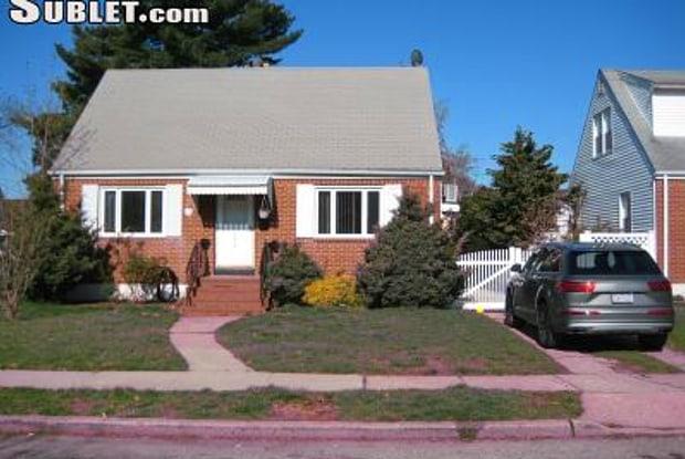 370 2nd Place - 370 2nd Pl, Uniondale, NY 11553