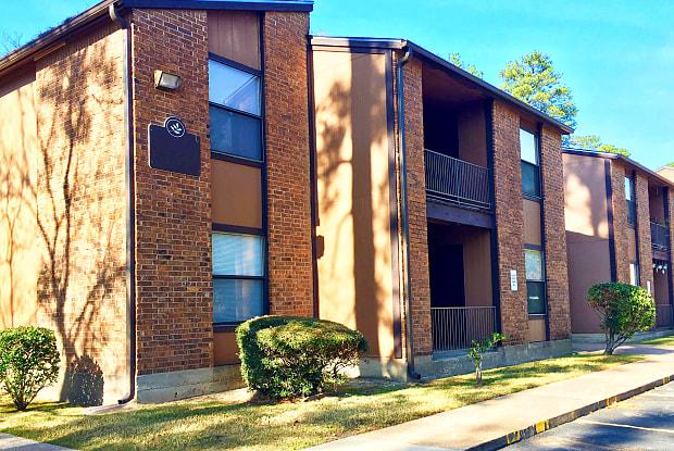 Greenbriar - 2406 W Frank Ave, Lufkin, TX 75904