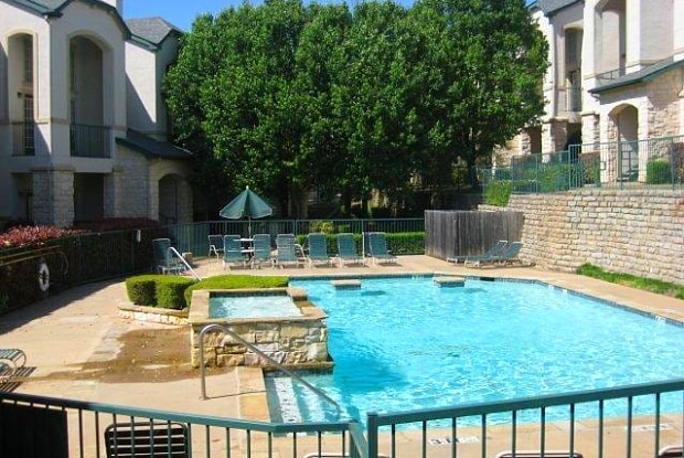 Vail Village Club Apartments - 3839 Briargrove Ln, Dallas, TX 75287